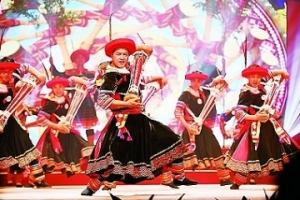 文化艺术:姹紫嫣红春风至 无边光景一时新