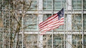 俄外长宣布将驱逐10名美国外交人员