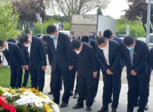 22年祭!驻塞尔维亚大使馆凭吊烈士