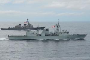 美加军舰过航台湾海峡 东部战区:美加勾连挑衅