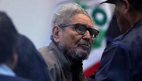 """秘鲁反政府游击队组织""""光辉道路""""创始人去世"""
