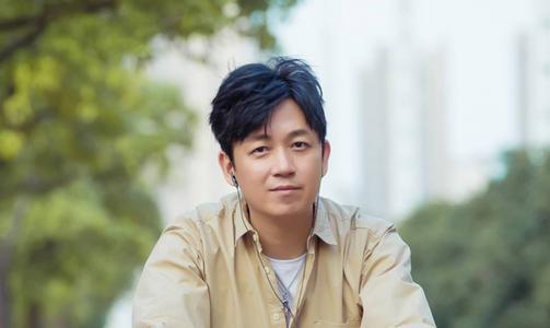 潘粤明新公司名叫胖喜炫 注册资本300万元