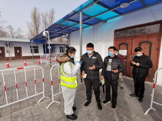 现场探访北京网约车司机接种新冠疫苗首日(图)