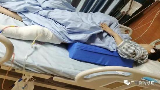 15岁女孩拒绝男子开房要求 被砍六刀膝盖几乎被砍断