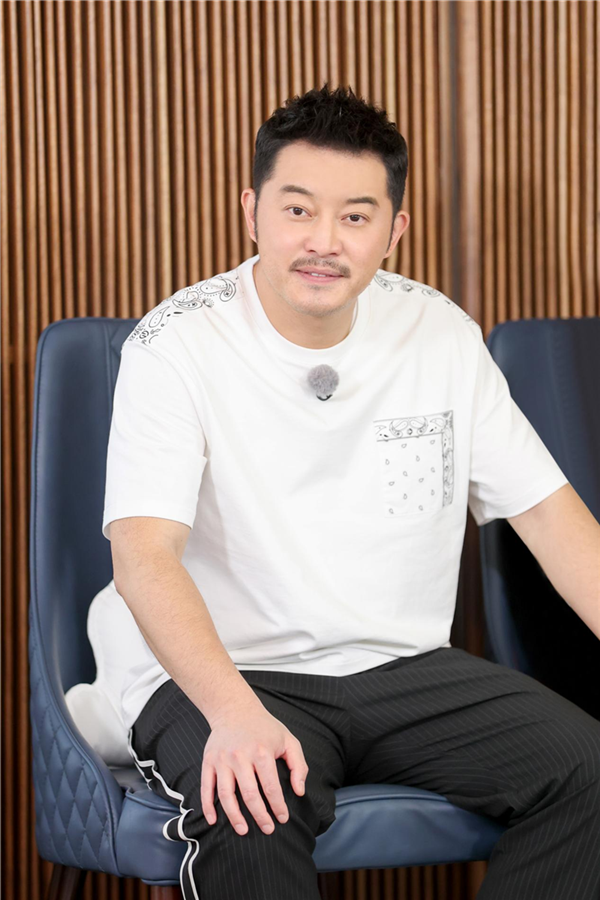 """《奔跑吧9》上演""""泉城热恋""""郑恺踏上""""寻苗""""路"""