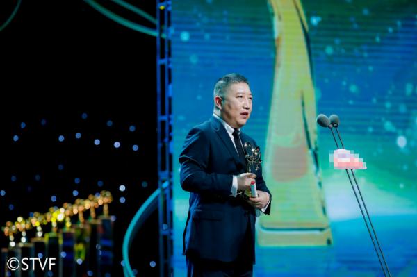 《觉醒年代》连夺白玉兰3项大奖 于和伟获最佳男主