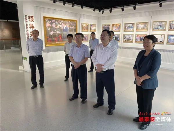 杨洪涛:在增进民生福祉上着墨,在推进高质量发展上落笔,确保各项工作抓紧抓实抓出成效
