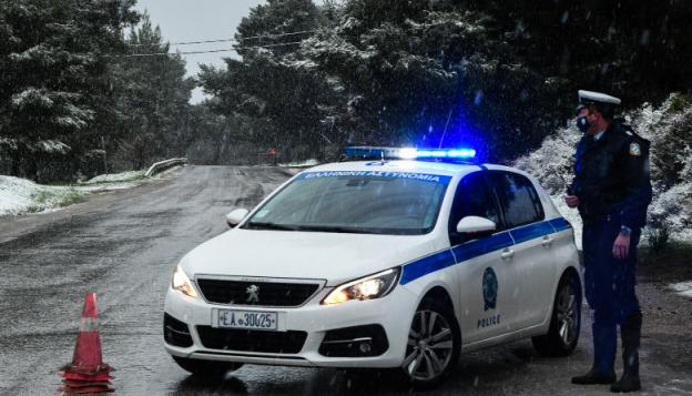 希腊大部地区遭遇寒流侵袭 多地降雪冲击基础设施