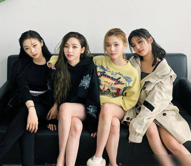 韩国女团遭工作人员偷拍裙底?经纪公司否认