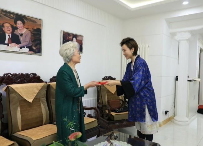 京剧艺术家刘秀荣出任戏委会荣誉顾问助