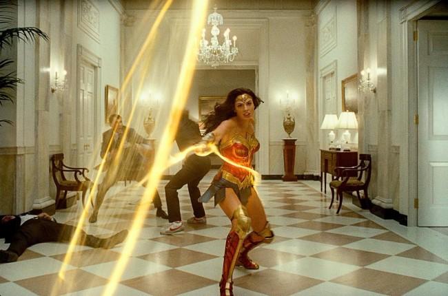 《神奇女侠1984》高能对决版预告 动作炸裂营造非凡视听冲击