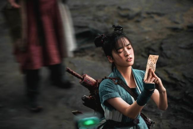 《侍神令》新春巨作今日上映 沈月突破自我化身神乐