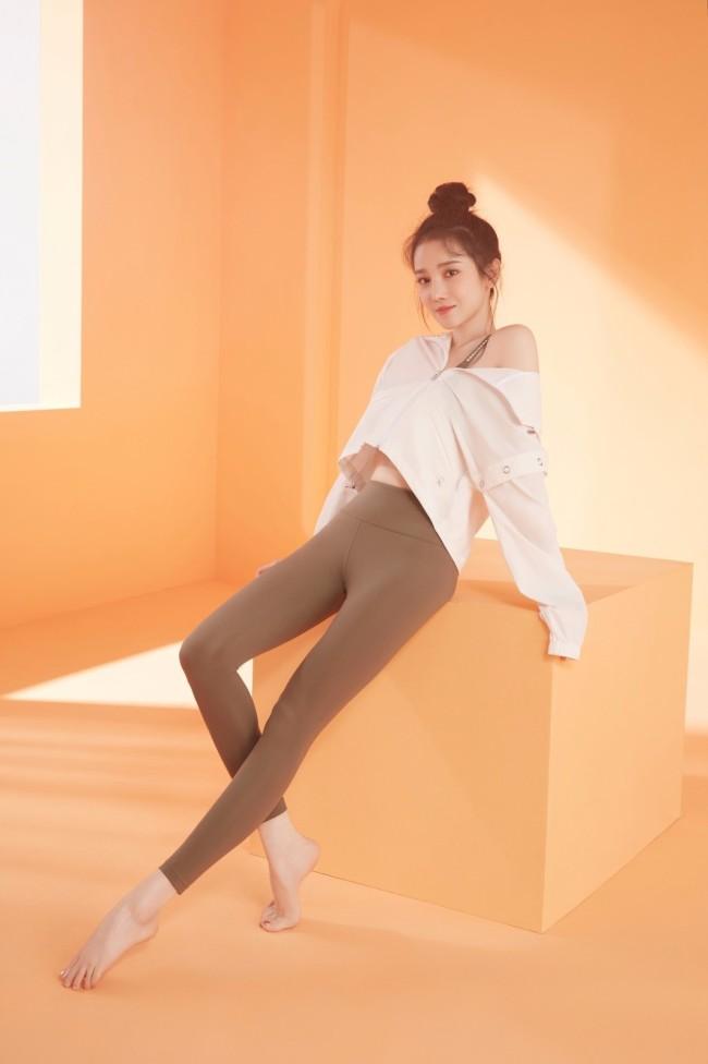 《乘风破浪的姐姐》陈小纭惊喜不断 代言合作时尚大片持续输出