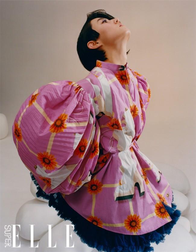 张子枫最新色彩先锋大片 玩趣展现个性复古