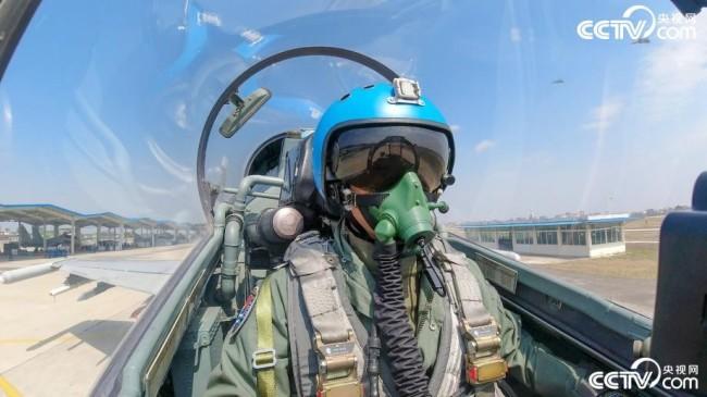 真实版壮志凌云!某战区海军航空兵某旅多课目训练
