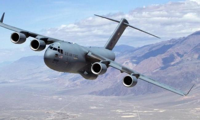 美C17运输机降台 向大陆展示美军紧急运输能力?