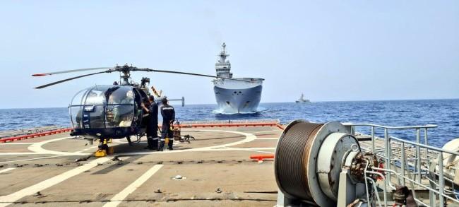 俄媒:印度和欧盟亚丁湾反海盗演习,公海阅兵