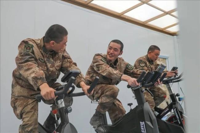 第三代阳光板房落户解放军高原部队