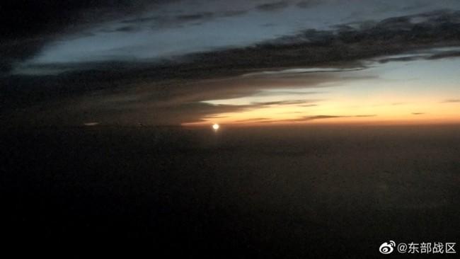 战机跨昼夜实射导弹画面曝光