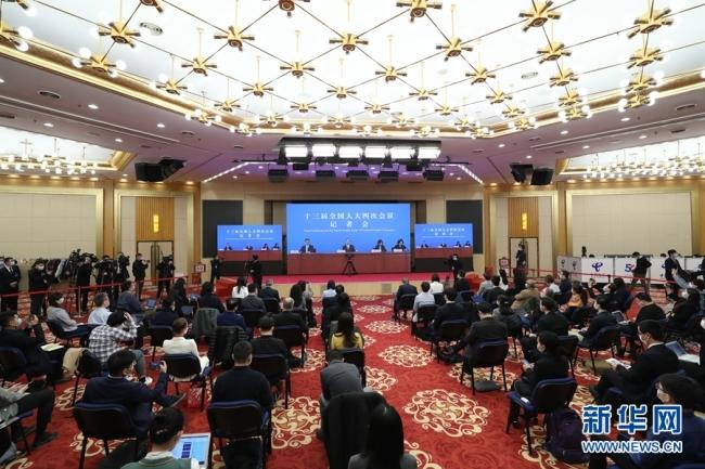 王毅:继续与各国团结合作,为彻底战胜疫情不懈努力