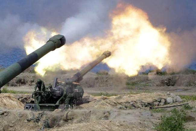 """台军装备的""""二战老炮"""",M110A2型203mm榴弹炮 图源:台媒"""
