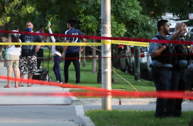 美国独立日周末发生超400起枪击事件至少150人死亡