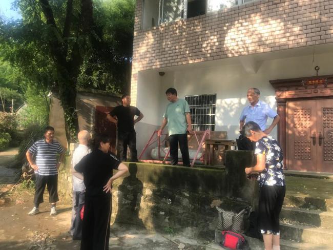 争分夺秒 抢险减灾——台风过境后的安徽多地灾后重建见闻