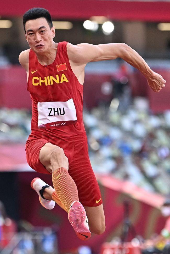 创历史!朱亚明获得男子三级跳远银牌