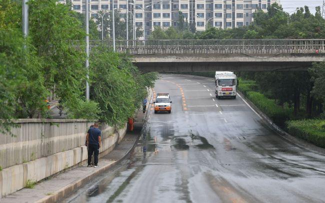探访北京淹人致2死铁路桥:水痕线最深近2米