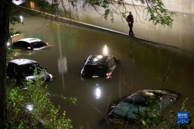 飓风艾达引发暴雨洪水