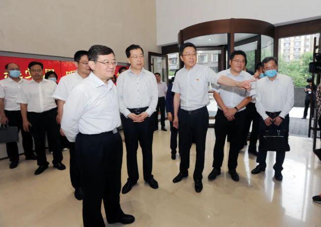 中央统战部副部长、全国工商联党组书记徐乐江一行到嘉林集团调研