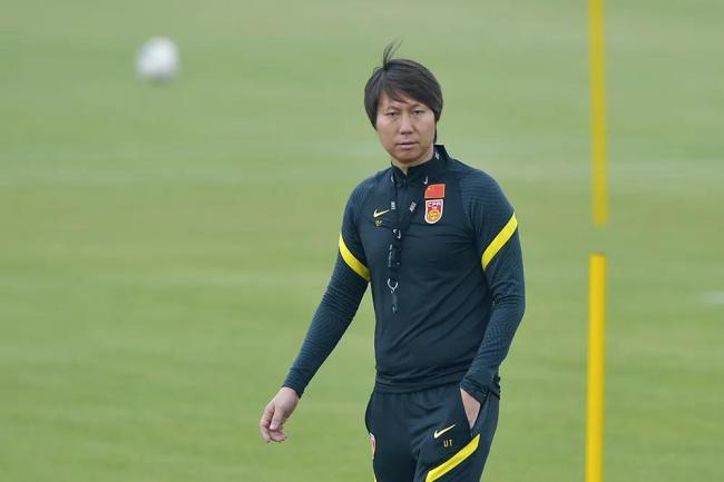 国足续约主帅李铁至2026年,将带领中国男足征战12强赛