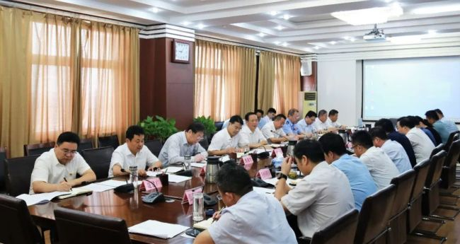 王广部主持召开枣庄高新区第十五次主任办公会议,强化国庆假期责任监管