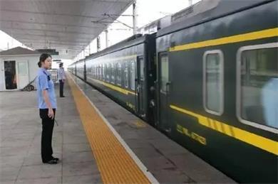 K8203次列车在神木锦界站上车一旅客初筛为阳性!现正在复核