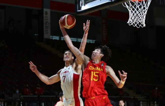 [图]奥运落选赛-中国男篮负加拿大 胡明轩24分