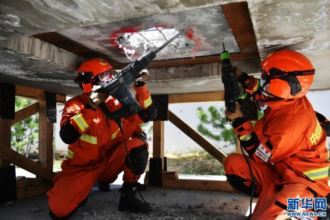 西藏:地震及绳索应急救援骨干培训顺利结业(图)