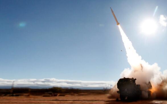 """美国""""精确打击导弹""""在试射中打破纪录"""